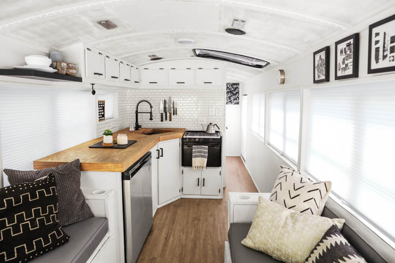This School Bus Is a Tiny Home ... to a Family of 6!