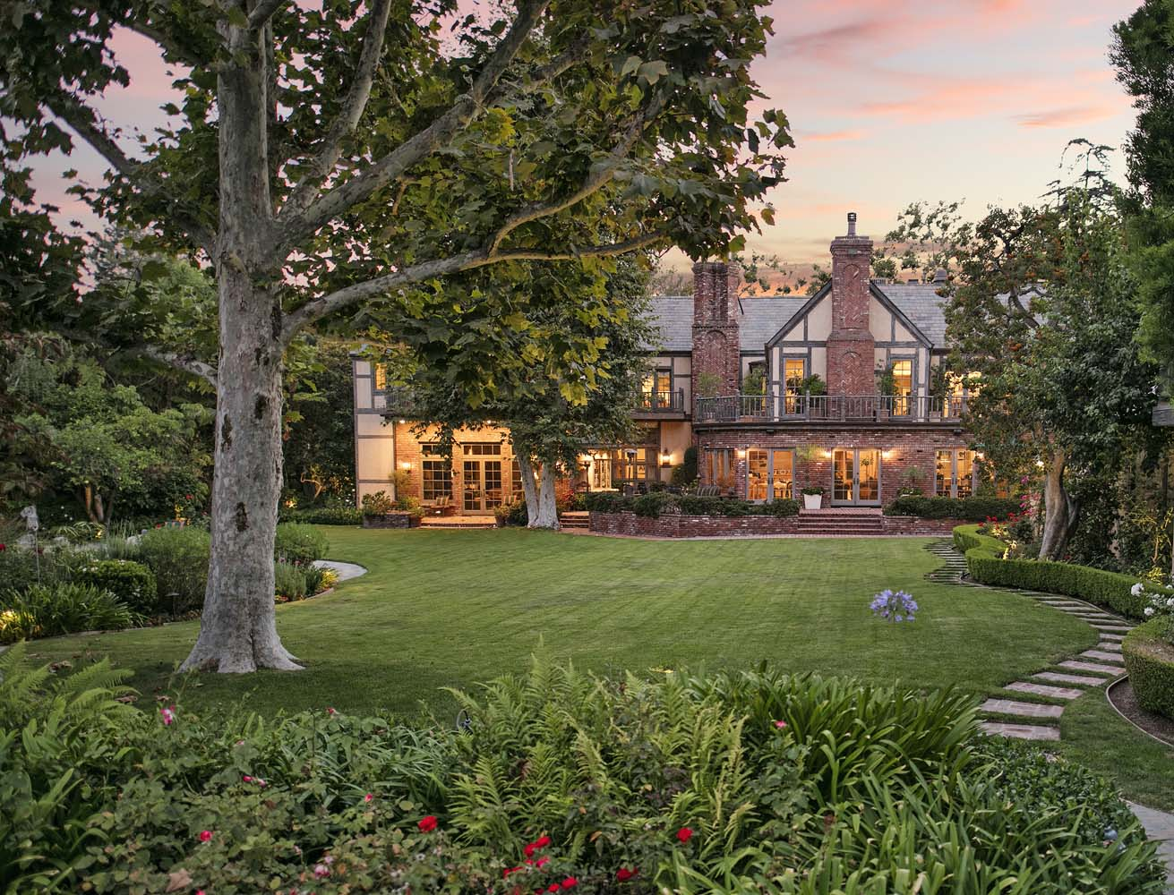 warner bros  mansion on the market for  40m