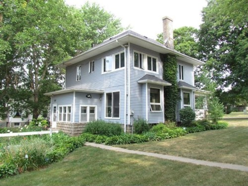 Calling All Ghost Hunters Homes For Sale In Haunted Cities