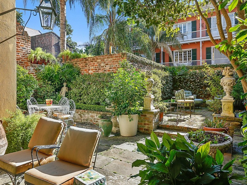 Homes for sale with gorgeous gardens are popping up like for Landscaping rocks new orleans