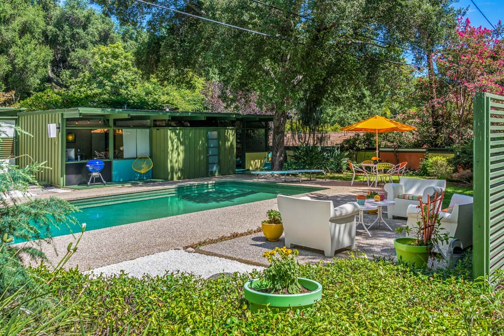 House of the week mid century modern built for an architect for Mid century modern homes zillow