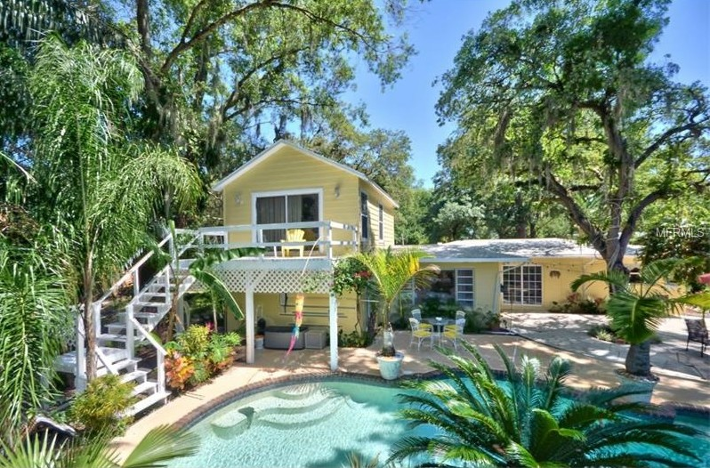 Homes for sale with gorgeous gardens are popping up like for Florida pool homes