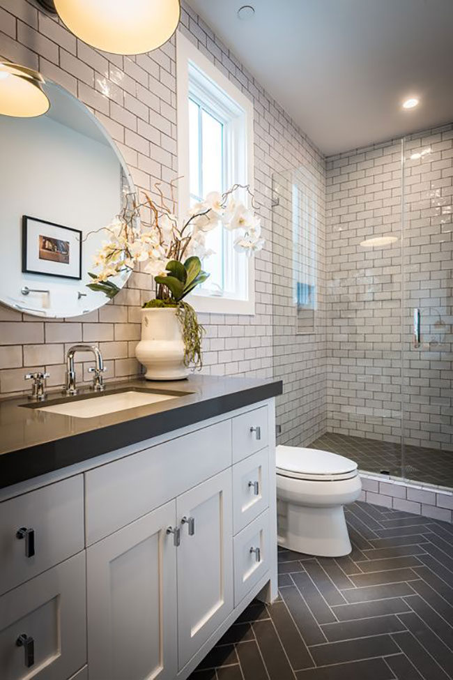 Crisp, Neutral Palettes Can Lend Calm Sophistication To Any Bathroom. Photo  From Zillow Listing.
