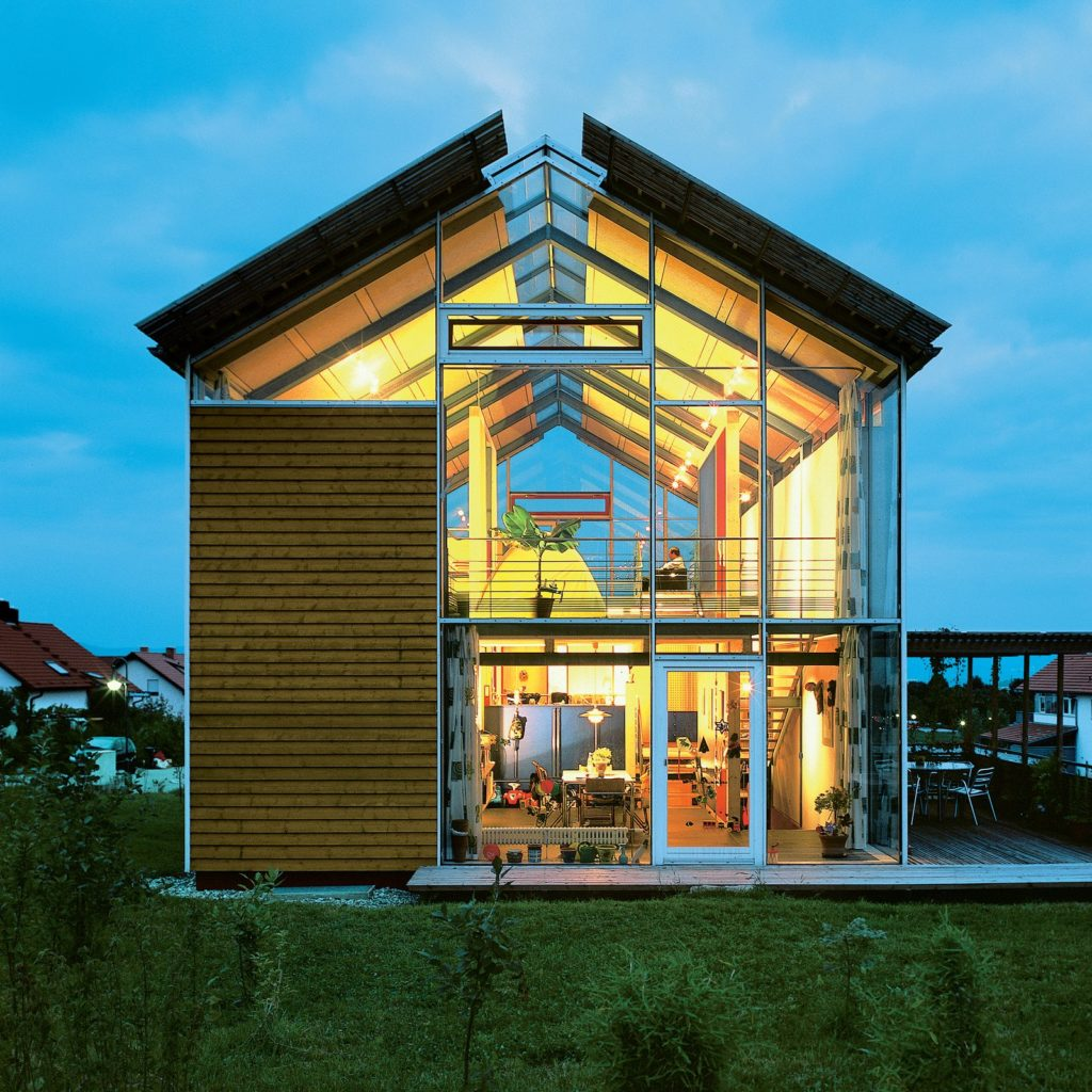 10 modern glass houses no one would throw stones at for Window for houses pictures