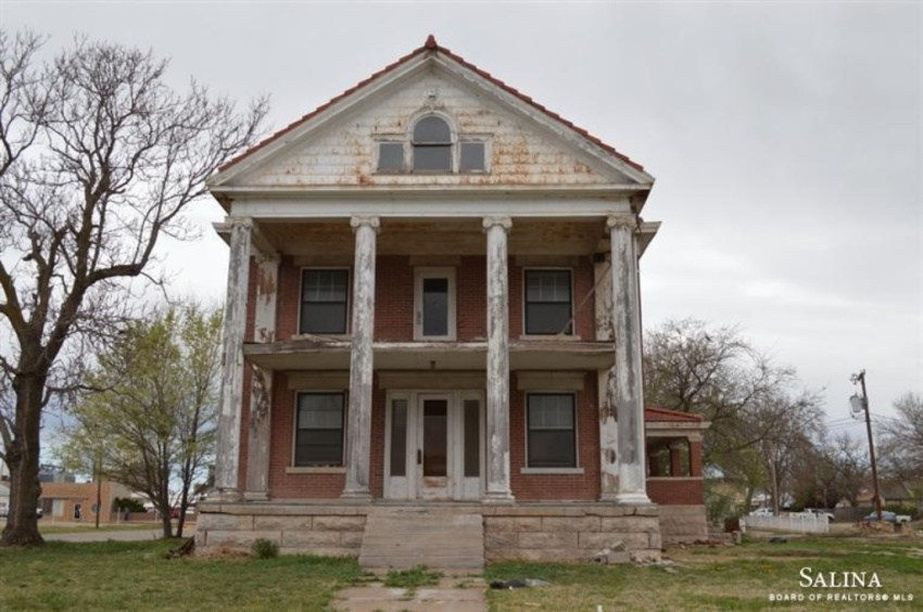 crumbling mansions for under 100 000