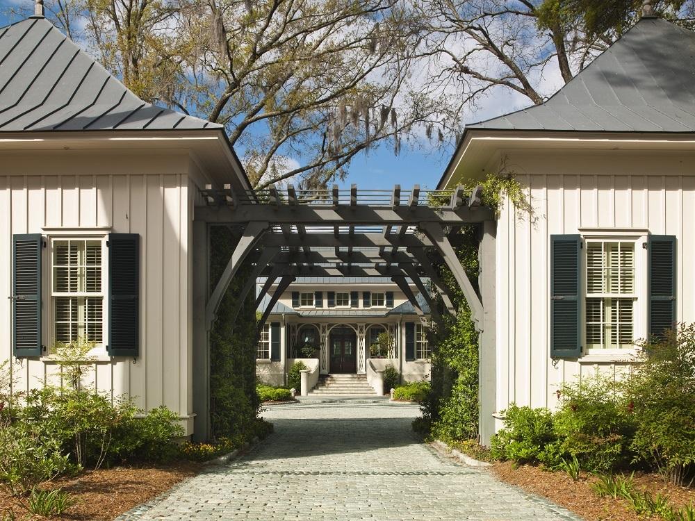 Paula Deen Taking 12 5m Savannah Estate Off Her Menu