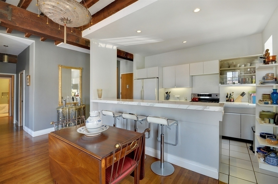 Rented philip seymour hoffman 39 s west village apartment for Appartamenti da sogno interni