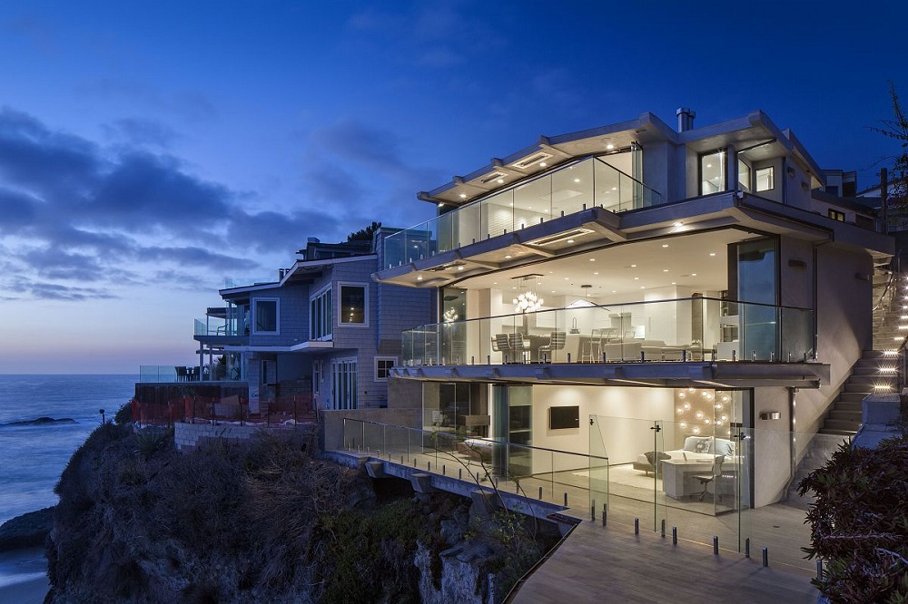 Miraculous People Who Live In These 10 Glass Houses Should Throw Parties Largest Home Design Picture Inspirations Pitcheantrous