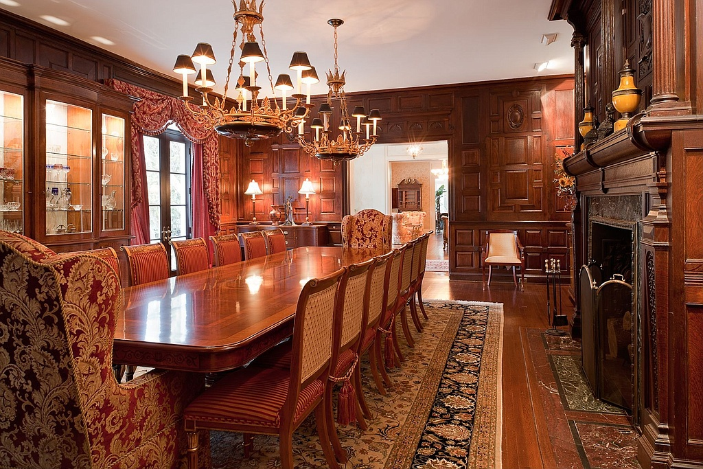 Catherine Zeta Jones And Michael Douglas Buy New Bedford
