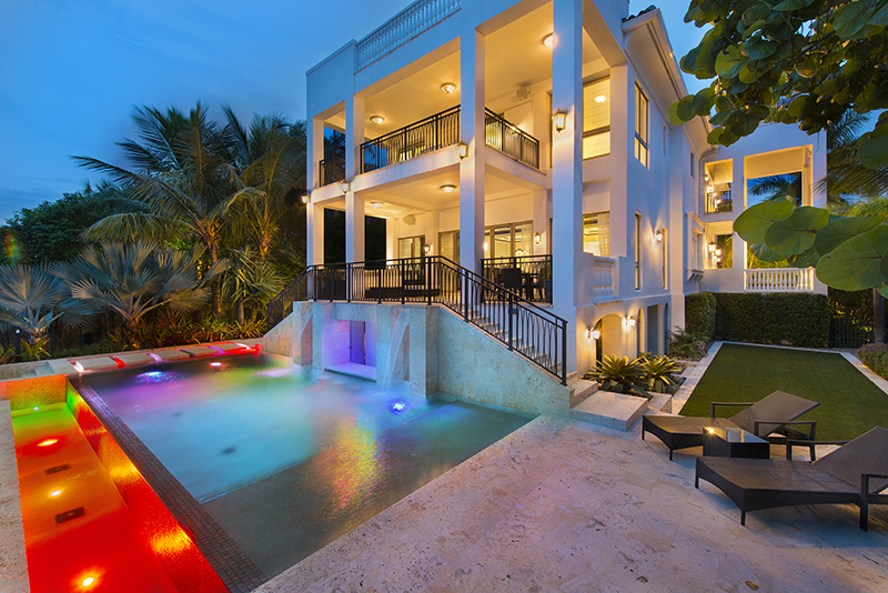 update lebron sells his miami palace like a king