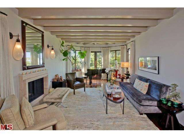 Nick jonas buys new home in la - 5 bedroom house for sale los angeles ...