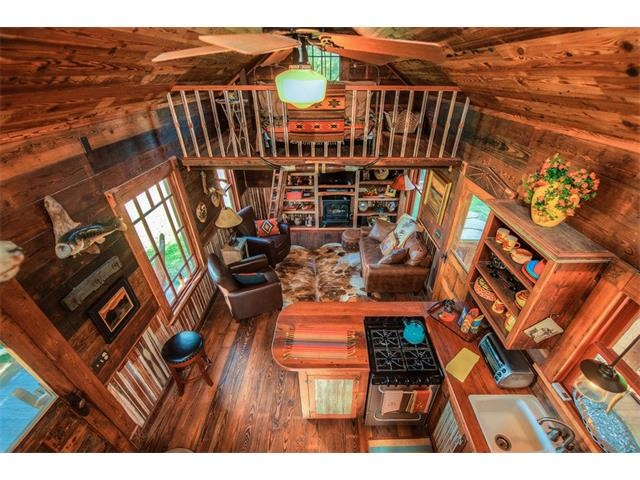 Stupendous Urban To Beachy 10 Amazing Tiny Homes Zillow Porchlight Largest Home Design Picture Inspirations Pitcheantrous