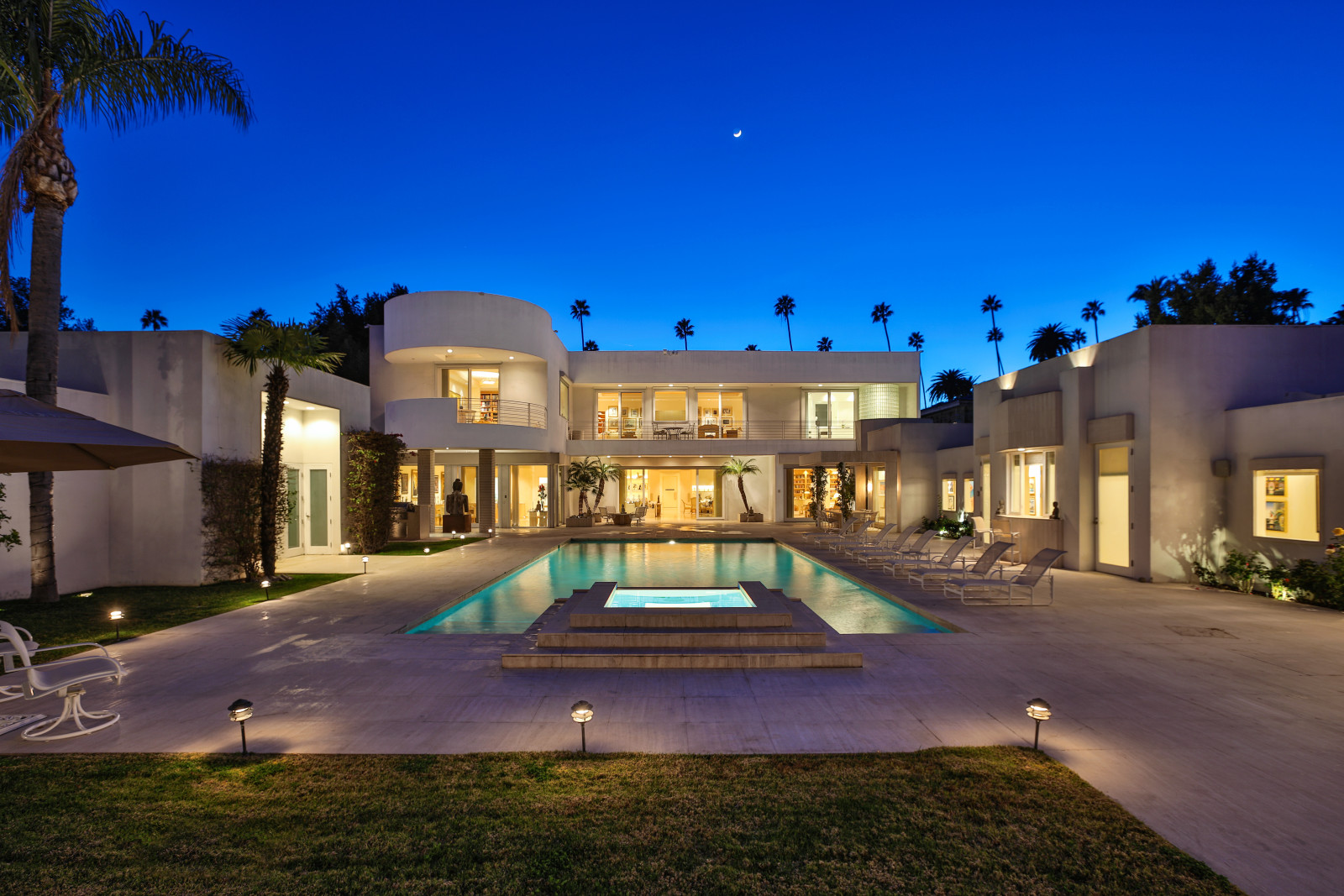 Zillow Real Estate Jackie Collins Sizzlin Beverly Hills Mansion Lists For 30m