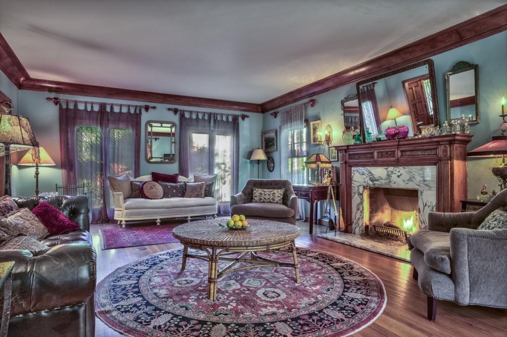 Sold famous designer 39 s restored hollywood mansion for Living room 6250 hollywood blvd