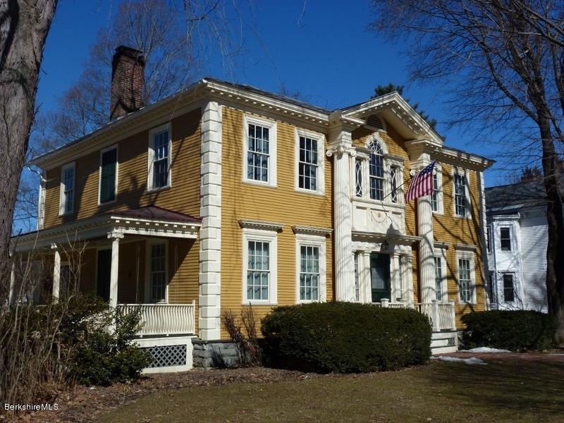 13 colonial style homes for sale in the 13 colonies for Ma home builders