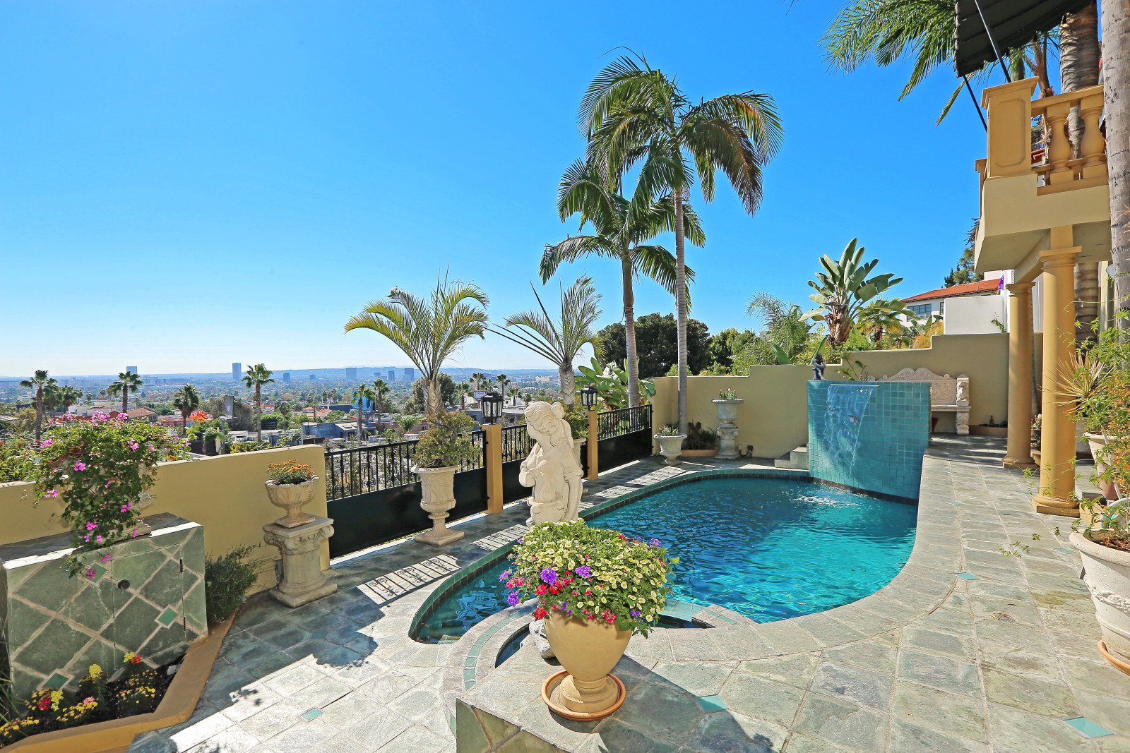 House Of The Week 1920s Villa Overlooking The Sunset Strip