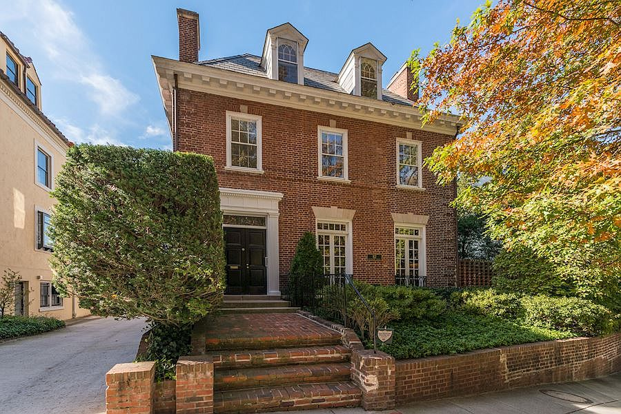 Meet Kalorama Where Ivanka Trump Jeff Bezos And The Obamas Will Be