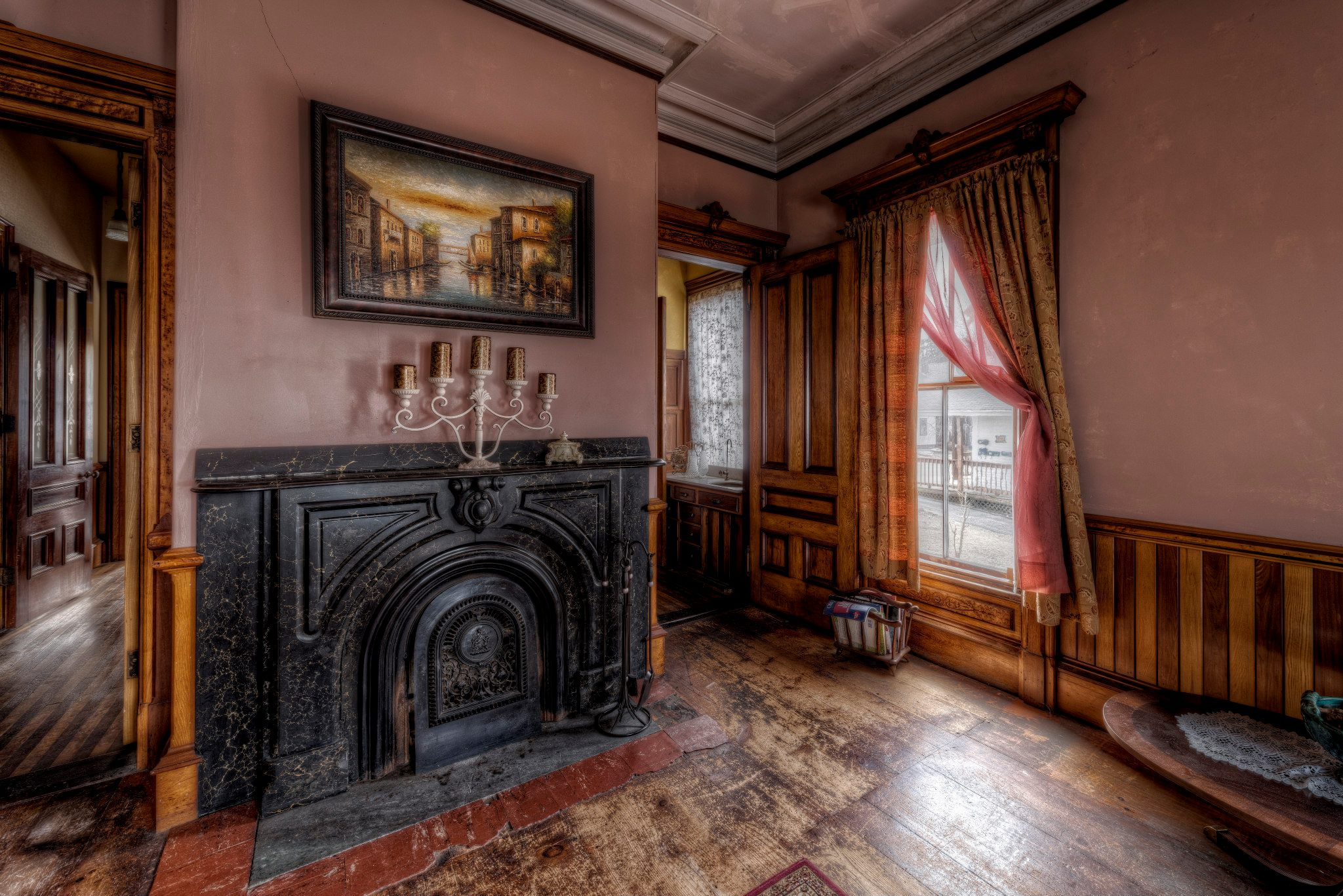 Bedroom Furniture Boston What S It Like Living In A Haunted House
