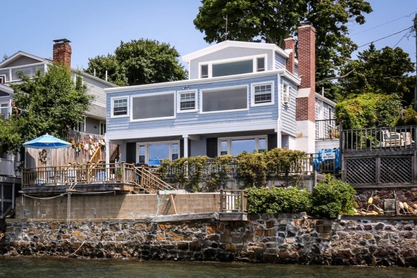 States with the most million dollar homes for Massachusetts home builders
