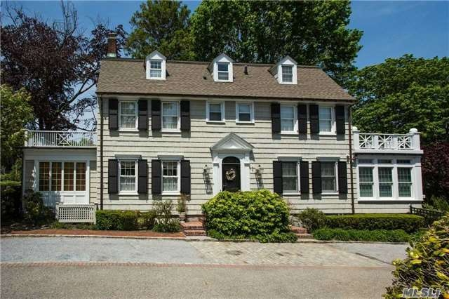 The Amityville Horror House On The Market For 850 000