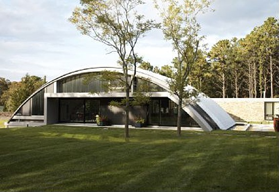 House Of The Week Arc House In The Hamptons