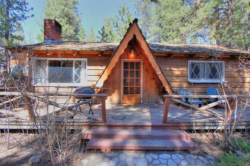 Cabins for 39 american dream builders 39 fans for Cabins big bear lake ca