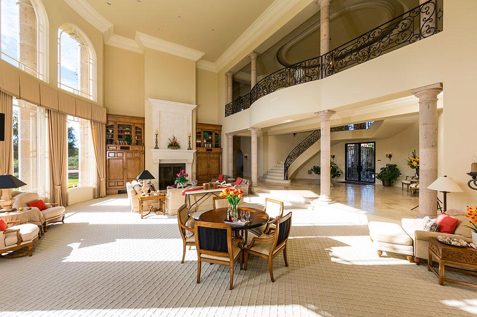 ooh la la britney spears reportedly lands sprawling socal estate. Black Bedroom Furniture Sets. Home Design Ideas