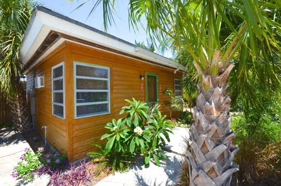 on the market 10 tiny vacation homes rh zillow com beachfront cottage for rent florida beachfront houses for sale in florida keys
