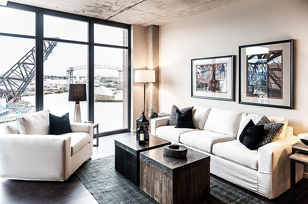 Wonderful Imagine Returning Home After A Long Day At Work To Take In The View Of The  Cuyahoga River From The Living Room Of This Modern 3 Bedroom, 2 Bath  Apartment.