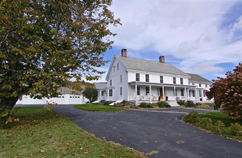 House Of The Week A Colonial Farmhouse That Predates Country