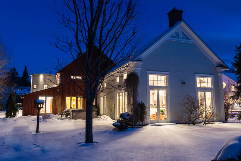 this vermont ski home has a silo you can sleep in house. Black Bedroom Furniture Sets. Home Design Ideas