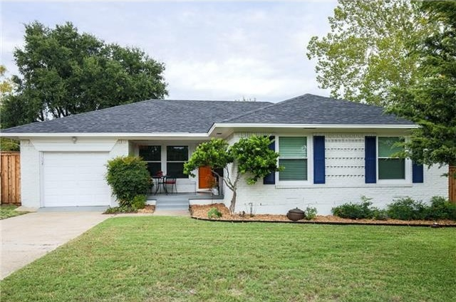 Recently renovated this 3 bedroom 2 bathroom home has a kitchen complete  with new stainless steel. 2 Bedroom 2 Bathroom Homes For Sale   ashevillehomemarket com