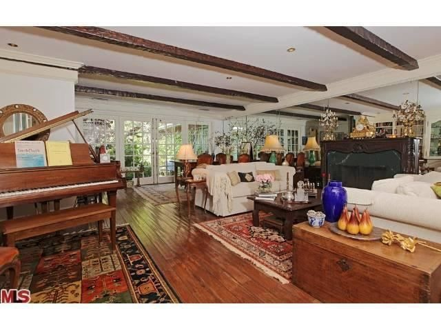 Ed asner lists studio city home for sale for Homes for sale in studio city