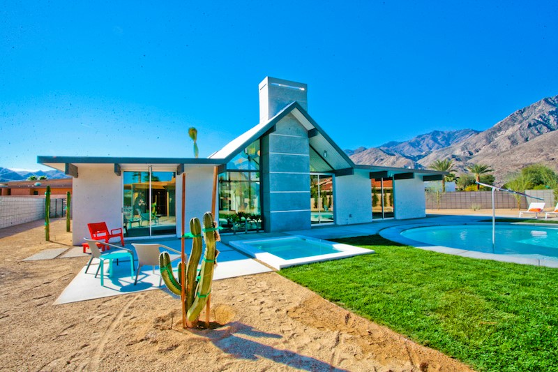 Mid century modern mania in the california desert for Home design zillow