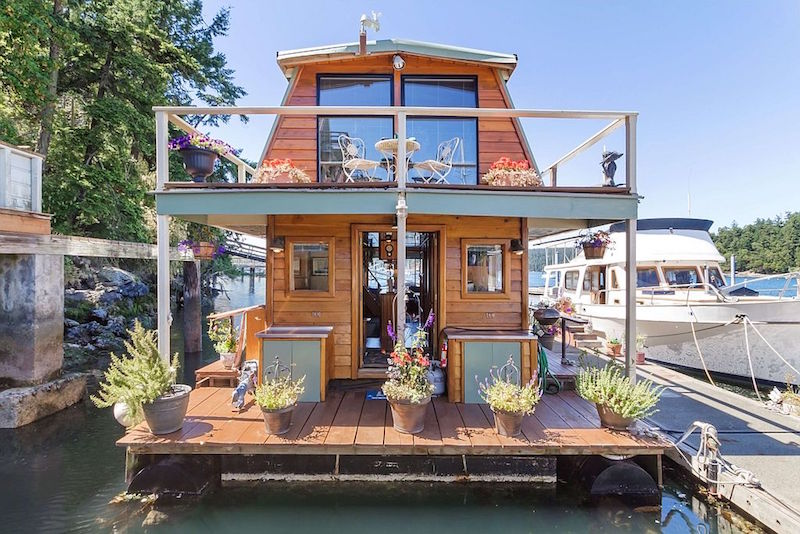 All Hands On Deck 10 Unique Floating Homes For Sale