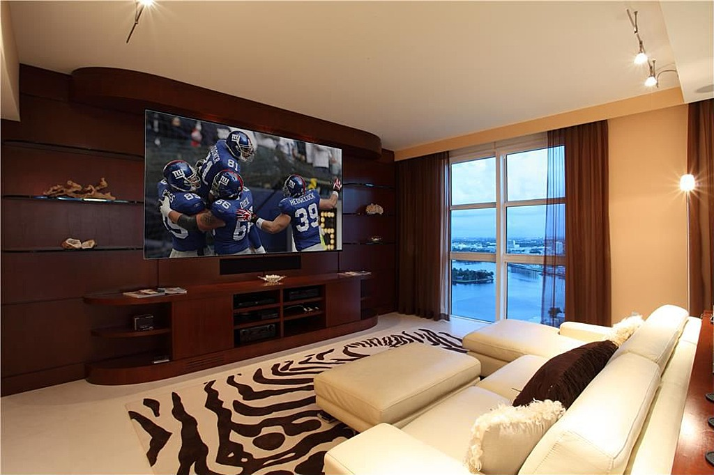 Super Man Caves For The Super Bowl Zillow Porchlight