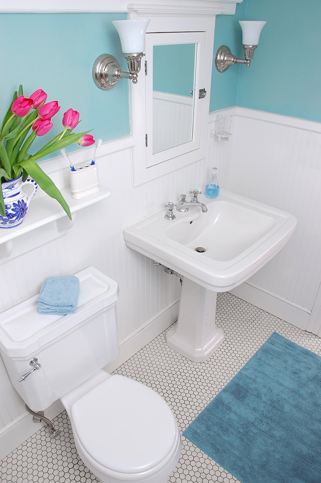 How To Make A Small Bathroom Feel Bigger: 10 Ways To Make A Small Bathroom Look Bigger