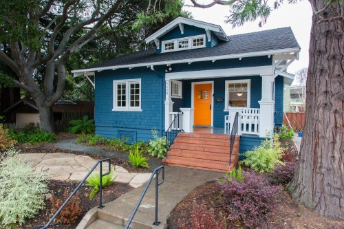 the dos and donts of picking a new house color - Exterior House Colors Blue