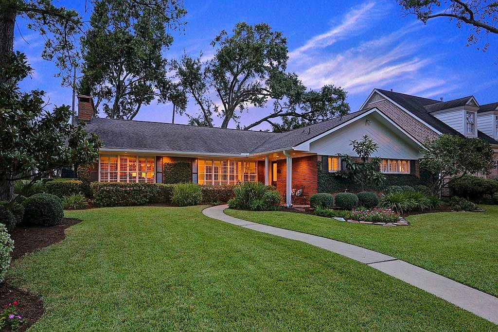 With 17 9 percent of the homes for sale in Houston being cut in price  it s  no big surprise that this 3 bedroom  2 bathroom has seen a reduction   but  a. 10 Discounted Homes for Black Friday   Zillow Porchlight