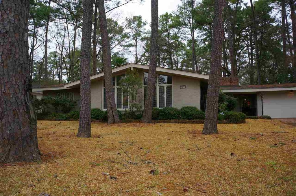 10 mid century modern listings just in time for 39 mad men 39 for Home builders in jackson ms area