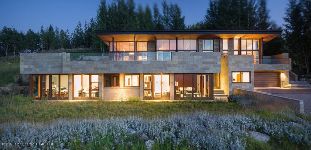 10 Ultra-Modern Homes Fit for the \'Hunger Games\' Capitol