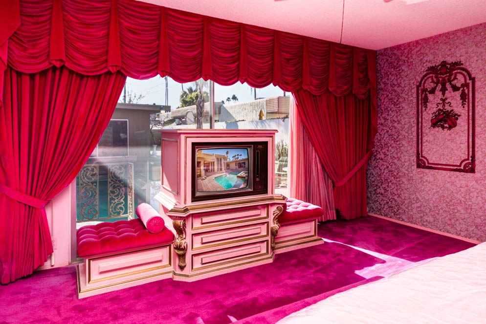 House of the Week: Here\'s a Groovy Home Last Decorated in 1969