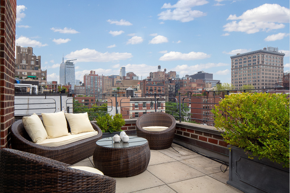 Update julia roberts rakes it in on greenwich village pad for Nyc greenwich village apartments