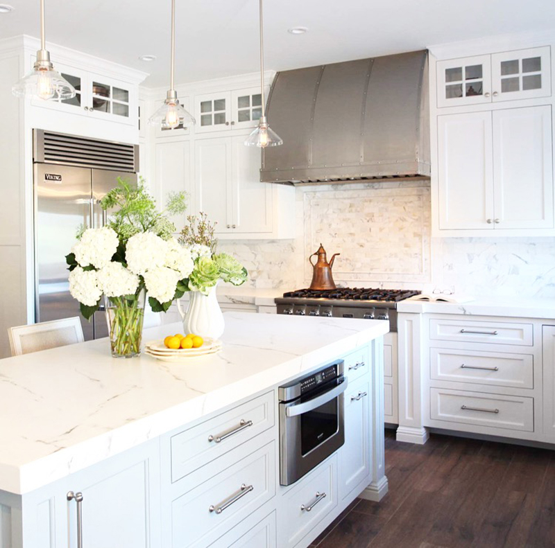 Before after a kitchen goes from drab to fab for Kitchen set putih