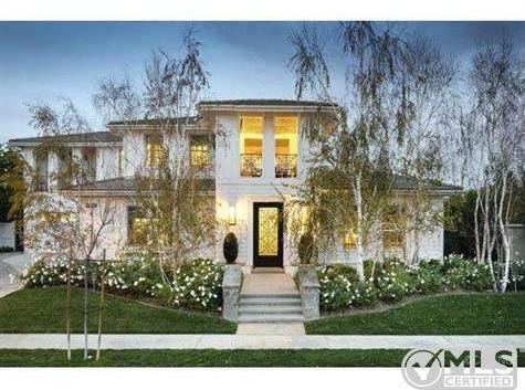 Kourtney Kardashian Lists Boldly Decorated Home For 3 499 Million