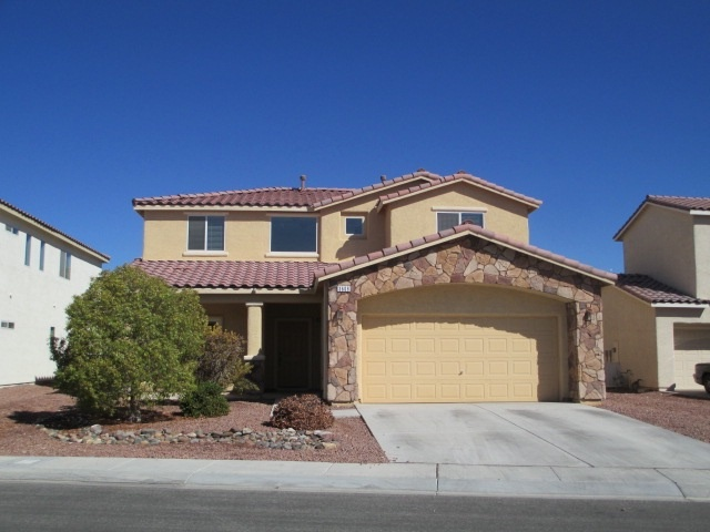 To spend just 30 percent of your income on rent for a 2 159 square foot  house like this in Las Vegas  you d need to make  47 040 a year  It has 3  bedrooms. Could You Afford to Rent in These 10 Cities