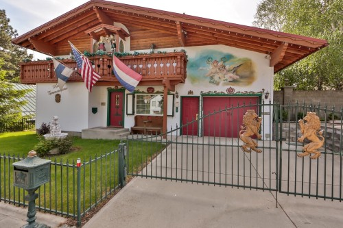 For sale bavarian style homes primed for oktoberfest for Country style homes wa
