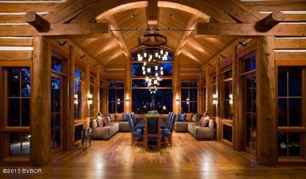 House Of The Week Montana Mansion Built Lincoln Log Style