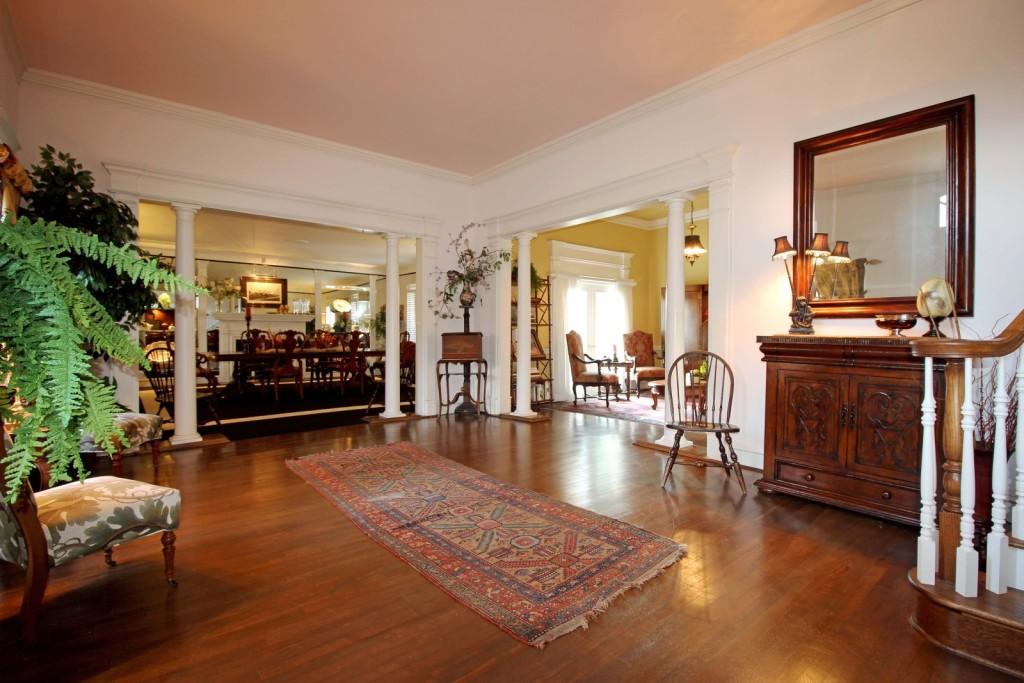 Fixer Upper' Couple Snags Historic Estate In Waco