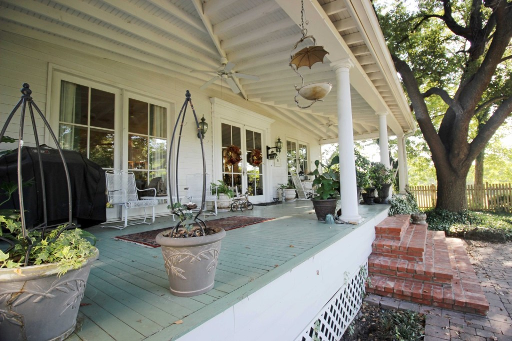 Fixer Upper Couple Snags Historic Estate Waco